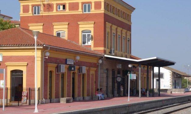 El PP moralo pide a la alcaldesa que reproche a Fomento su dejadez con el tren