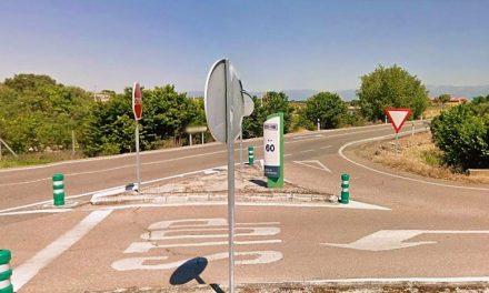 Una moto y un turismo chocan en Peraleda de la Mata