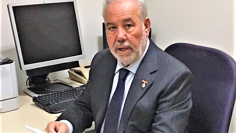 El senador Rafael Mateos se reúne con el presidente de Adif