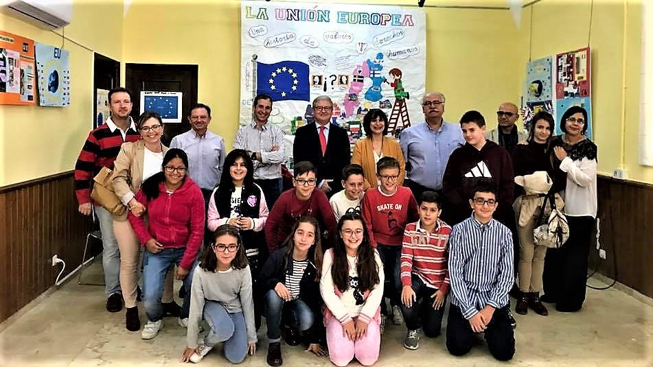 Los escolares moralos muestran Europa en la Fundación Concha