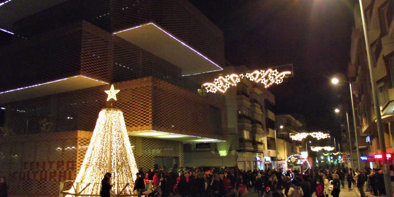 Papa Noel recibe a los niños en La Gota