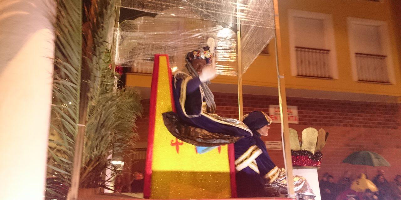 Cabalgata de Reyes con protección para la lluvia