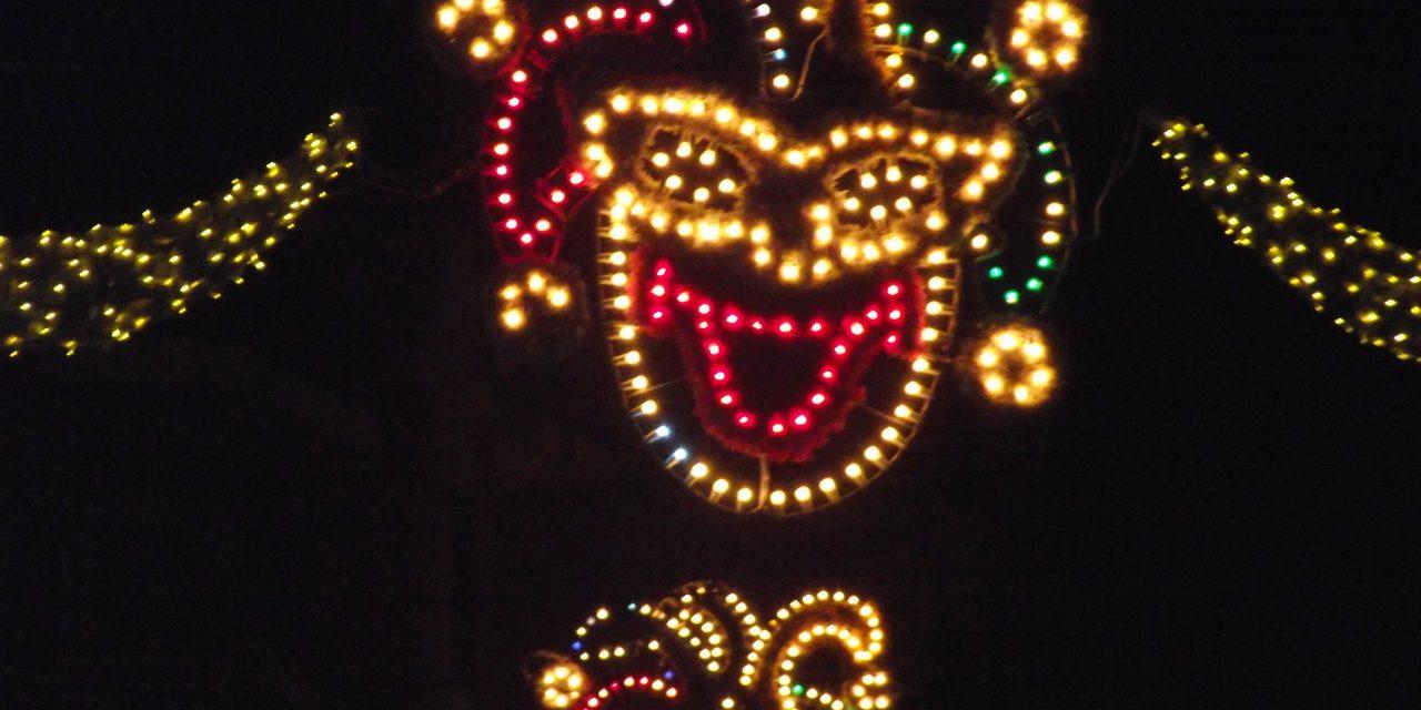 La esencia reivindicativa del Desfile Nocturno llega por tren