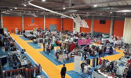 Casi 3.000 personas pasan por la IV Feria del Stock de Navalmoral