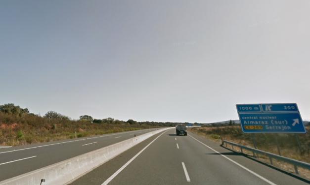 Un joven resulta herido en un accidente en la A5 cerca del Portugal II
