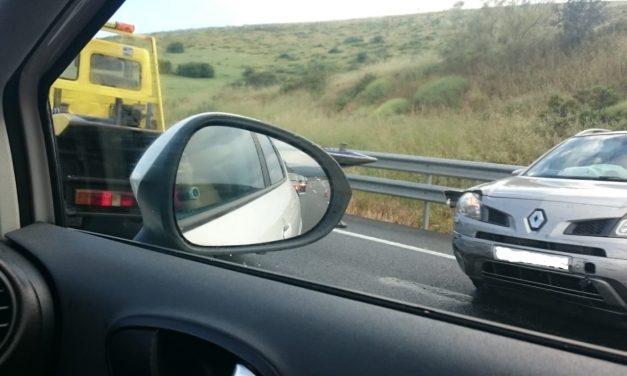 Un bebé y dos adultos, heridos en un accidente de tráfico en el Km 178 de la A5