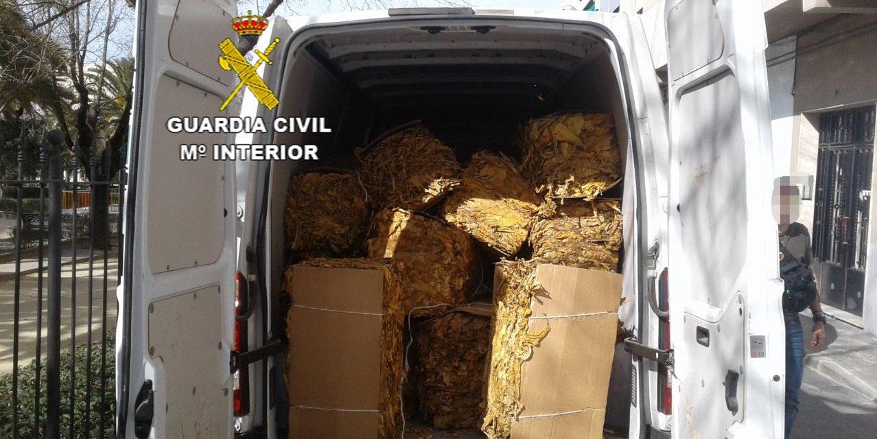 La Guardia Civil detiene a dos personas e interviene tabaco valorado en medio millón de euros
