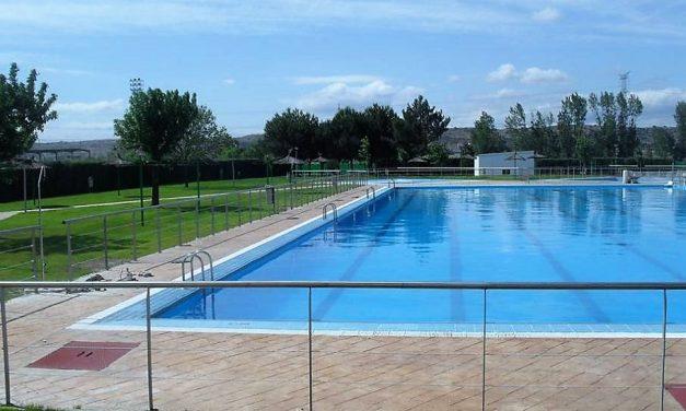 Jornada de puertas abiertas en la piscina municipal de verano de Navalmoral