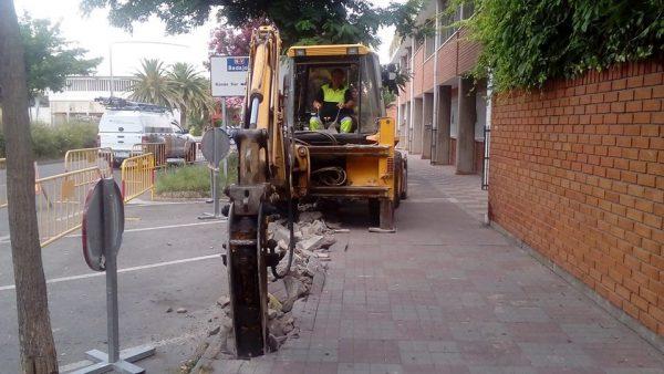 Comienzan las obras de renovación del acerado en la Avda. de las Angustias