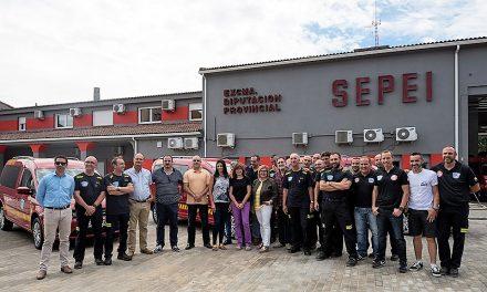 Los bomberos de Navalmoral reciben un nuevo vehículo ligero