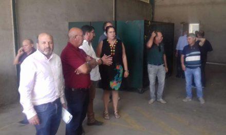 Begoña García visita la cooperativa tabaquera Coolosar en Losar de la Vera