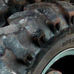 Un varón queda atrapado tras volcar su tractor en Fresnedoso