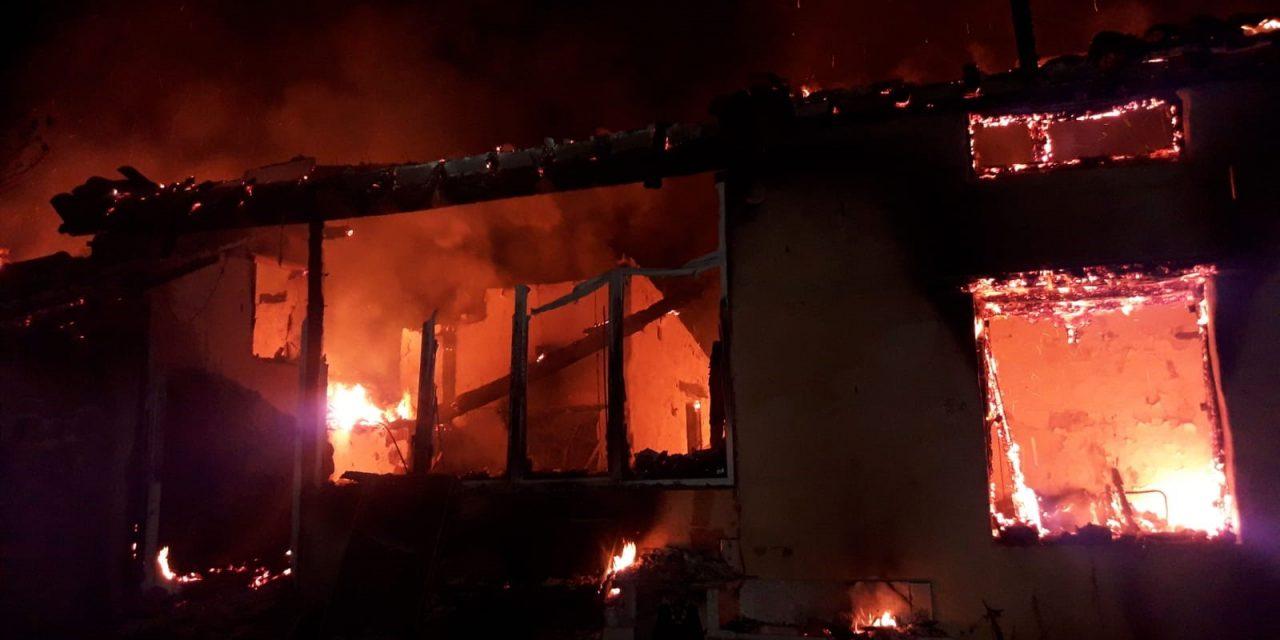 Se incendia una casa en Valverde de la Vera