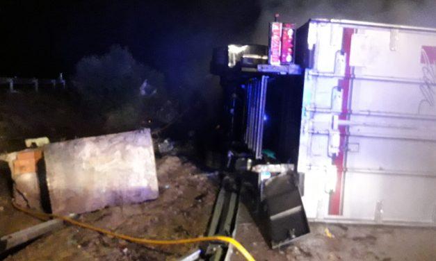 Fallece el conductor de un camión al incendiarse este en la A-5, Km 197