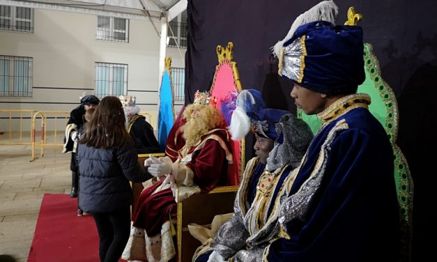 La cabalgata de SSMM los Reyes Magos recorre Navalmoral