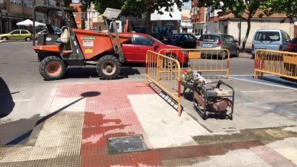 VOX Navalmoral denuncia la falta de accesos para personas de movilidad reducida