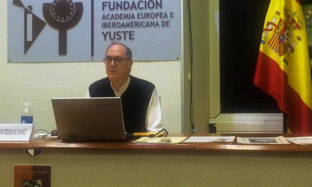 Félix Contreras ha presentado en Yuste su libro sobre la obra del músico Juan Bayal Tovar