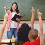 Los maestros interinos de Extremadura, indignados con la administración