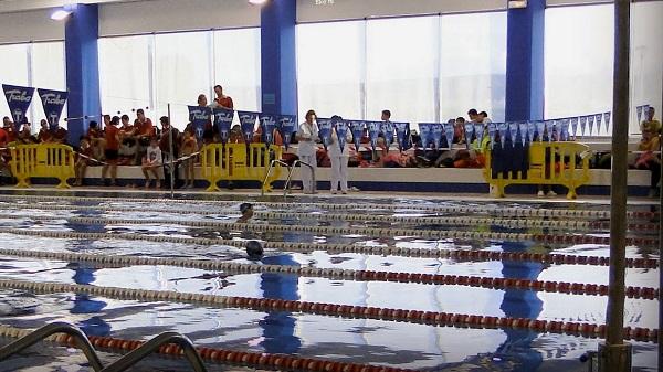 Abre de nuevo la piscina climatizada de Navalmoral
