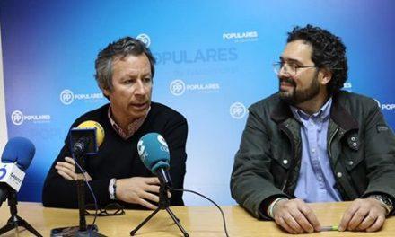 El PP moralo recibe la visita del candidato del Partido Popular al Senado, Carlos Floriano