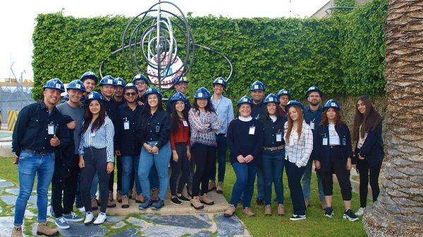 Una veintena de estudiantes de Colombia visitan CNA