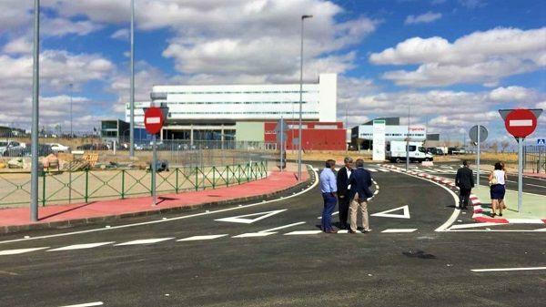 Se abre al tráfico el acceso principal al Hospital Universitario de Cáceres
