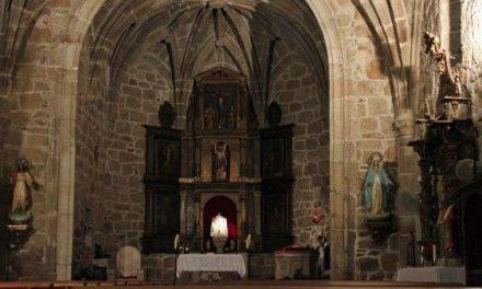 Los feligreses de Peraleda de San Román apoyan a su párroco