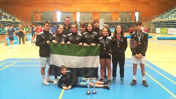 La AD Cura Mora de bádminton consigue 6 medallas en el Máster Jóvenes Sub-15 y Sub-19 «Ciudad de Huelva»