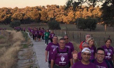 Más de 300 personas participaron en la I Marcha Nocturna Solidaria Alzheimer, de AFACA