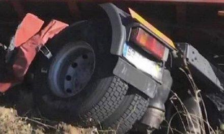 Un herido al volcar un camión en la A-5 a la altura de Navalmoral