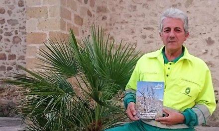El jardinero municipal moralo aplaza la presentación de su libro