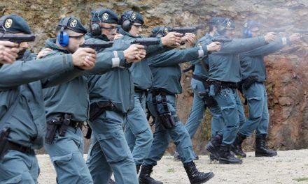 """Siguen las prácticas de fuego real en la """"Cantera Pajares"""" de Navalmoral"""