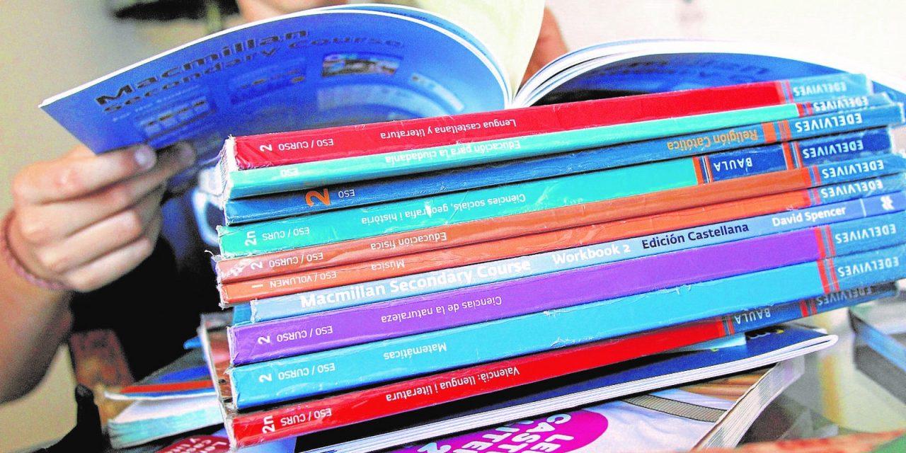 65 centros educativos concertados recibirán casi 800.000 euros para la dotación de libros de texto