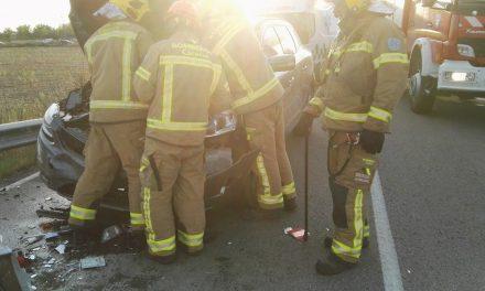 Un muerto y dos heridos en una colisión múltiple en Pueblonuevo de Miramontes