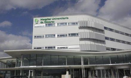Desalojan la zona de consultas del HUC por un fallo eléctrico