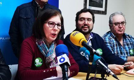 """El PP del Campo Arañuelo recoge firmas bajo el lema """"Sí a la prórroga, Almaraz no se cierra"""""""