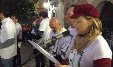 """Concentración y lectura del manifiesto por la """"Continuidad para Almaraz"""""""