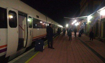 Desaparece la venta en taquilla de billetes en la estación de tren de Navalmoral y otras del entorno