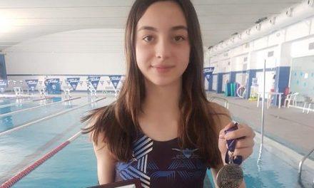 La nadadora de ADA, Laura Ballesteros, consigue medalla de plata en El Torneo de la Cordialidad