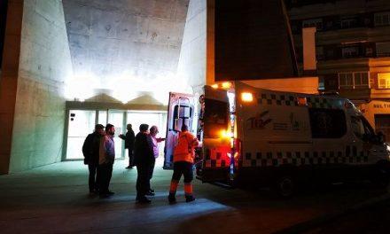 Una mujer sufre un accidente en el graderío del Teatro del Mercado