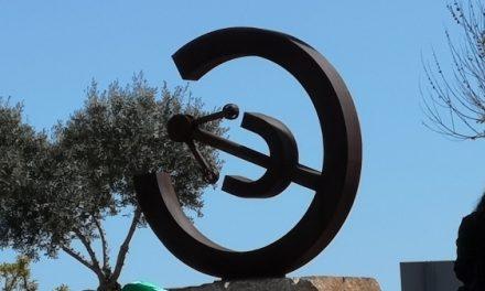 Inaugurada la escultura donada por la Asociación de Ingenieros Técnicos Industriales de Cáceres