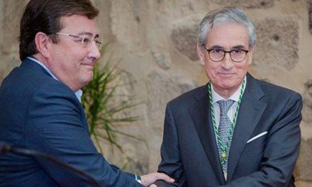 Ramón Jauregui toma posesión como miembro de la Academia de Yuste