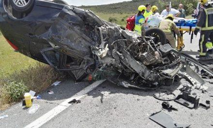 Tres heridos al colisionar dos vehículos en Jaraíz de la Vera