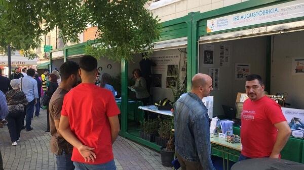 10 centros educativos en la III Feria de la Formación Profesional de Navalmoral