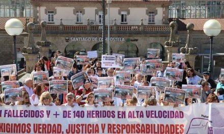 """""""… los vivos piden justicia…"""" VI Aniversario del accidente ferroviario de Santiago"""