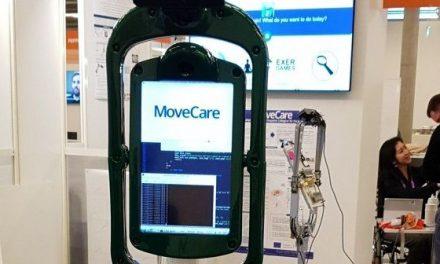 Se prueba en Losar de la Vera el asistente robótico MoveCare para personas mayores