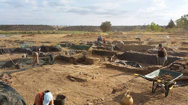 La Asociación Madinat Albalat reanuda los trabajos en el yacimiento arqueológico