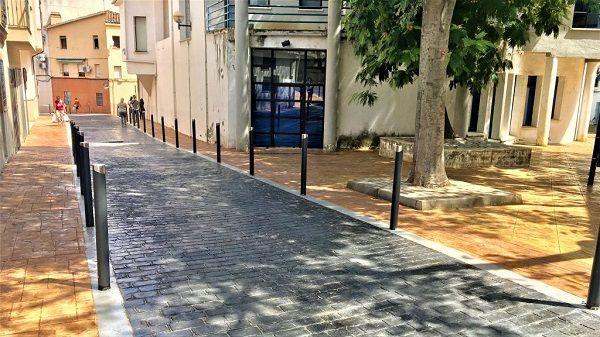Ciudadanos pide soluciones para las nuevas calles por considerarlas peligrosamente resbaladizas
