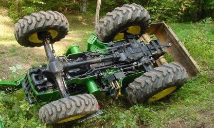 Un herido grave, cerca de Cuacos de Yuste, al volcar un tractor