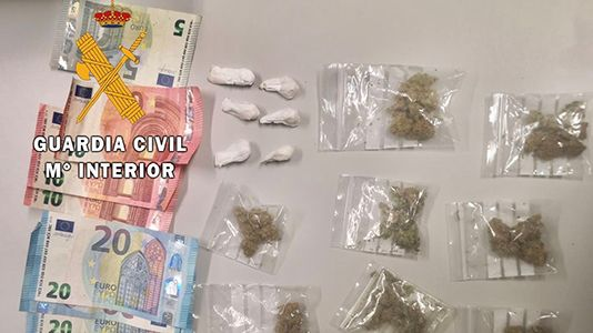 La Guardia Civil detiene a un joven de Losar por tráfico de drogas
